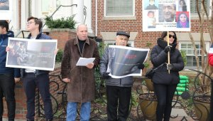 Hocalı Katliamı Ermenistan'ın Washington Büyükelçiliği önünde protesto edildi