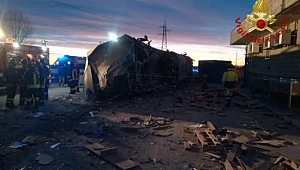 İtalya'da Hızlı Tren Raydan Çıktı! Ölü ve Yaralılar Var