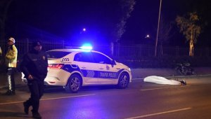 İzmir'de motosikletiyle kaza yapan genç hayatını kaybetti