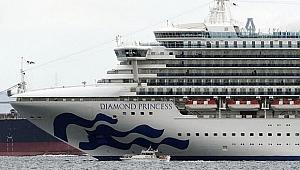 Japonya'daki 3 Bin 500 Kişilik Dev Yolcu Gemisine Koronavirüs Karantinası