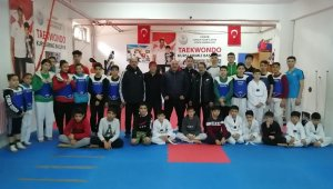 Milli taekwondo hocası Mustafa Bozkurt, Kırşehir'de ziyaretlerde bulundu