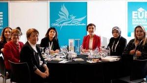 Rektör Çakar, Yükseköğretim'de kadın liderler konulu sunum yaptı