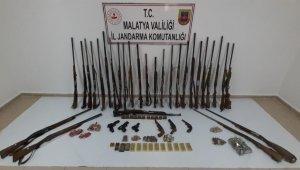 Silah ve mühimmat kaçakçılığından 7 gözaltı