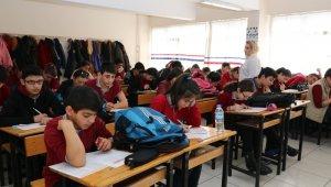 Sivas'ta öğrencilere yönelik izleme sınavı yapıldı