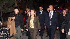 Ticaret Bakanı Pekcan'dan esnafa kandil ziyareti