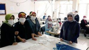 Bartın'da meslek lisesinde cerrahi maske üretimine başlandı