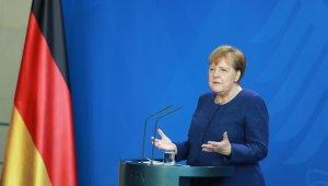 """Almanya Başbakanı Merkel: """"Korona krizine karşı alınan önlemleri gevşetmek için erken"""""""