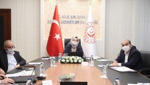"""Bakan Selçuk, TÜRMOB ve TOBB Başkanları ile video konferansla """"Kısa Çalışma Ödeneği""""ni görüştü"""