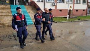 Bolu'da, 6 eve girerek hırsızlık yapan 4 şahıs adliyeye sevk edildi