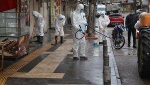 Caddeler sabunlu suyla yıkanıyor