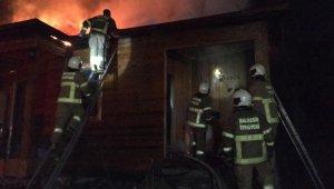 Edremit'te ısı pompası ahşap evi yaktı