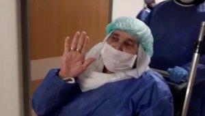 """Elazığ'da """"korona virüsü"""" yenen 14 kişi alkışlarla taburcu oldu"""