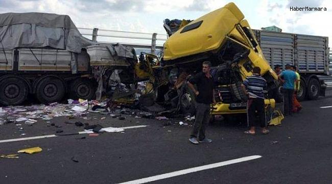 İstanbul'da feci kaza! Yol tamamen trafiğe kapandı