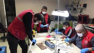 Kilis Gençlik Merkezinde maske üretiliyor