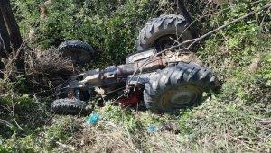 Manisa'da traktör sulama kanalına devrildi: 1 ölü