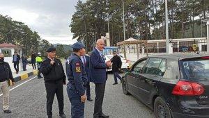 Marmaris Kaymakamı Ertuğ Şevket Aksoy, Çetibeli Kontrol noktasını ziyaret etti