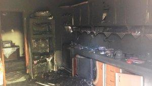 Mutfağı küle çeviren yangından kimsenin haberi olmadı