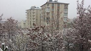 Nisan sonu yağan kar şaşırttı!