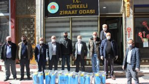 Türkeli'de muhtarlara dezenfektan makinesi dağıtıldı