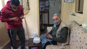 77 yaşındaki Ziyattin amcanın yardımına polis ve eczacı koştu