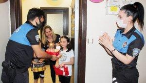 9 yaşındaki Elif'e çifte bayram