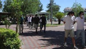 Antalya'da alıkonulan genç oryantali polis kurtardı