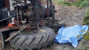 Antalya'da traktör şarampole devrildi anne öldü, 2 kızı yaralandı