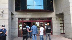 Balıkesir'de 4 uyuşturucu tacirini yakaladı
