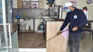 Biga Belediyesi kıraathaneleri dezenfekte etti