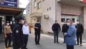Develi Kaymakamı Murat Duru emniyet ve jandarma personelinin bayranını kutladı