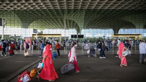 Hindistan'da iç hat uçuşları yeniden başladı