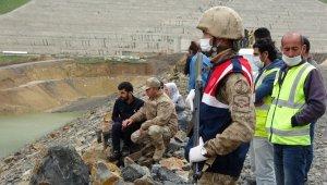 İş makinesiyle baraj göletine düşen operatörün ailesinin en acı bayramı