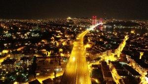 İstanbul'da sokağa çıkma kısıtlamasının sona ermesiyle hayat normale döndü