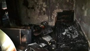 İzmit'de çıkan yangın evi kullanılmaz hale getirdi
