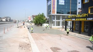 Kartepe'de Ankara Caddesi'ne yol betonu atıldı
