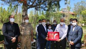 Kaymakam Mehmetbeyoğlu'ndan şehit ailelerine ziyaret