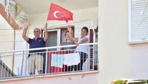 Kepez'de bayram heyecanı balkonlarda sürdü