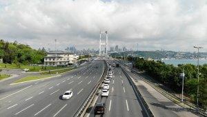 Kısıtlama sonrası boş kalan 15 Temmuz Şehitler Köprüsü havadan görüntülendi