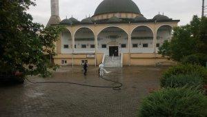 Körfez'de 70 camide cuma namazı hazırlığı yapıldı