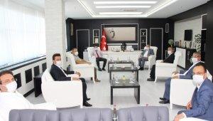 MHP İl Yönetimi Rektör Karacoşkun'la bir araya geldi