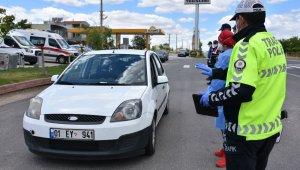 Polis, jandarma ve sağlıkçılar karayollarında