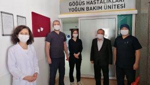 Rektör Çufalı, bayramda hastaneyi ziyaret etti