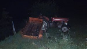Samsun'da traktör şarampole yuvarlandı: 1 yaralı