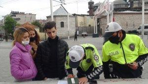 Taksim'de kısıtlamada sokağa çıkan turistlere ceza kesildi