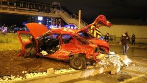 Tır ile çarpışan otomobil hurdaya döndü: 3 yaralı