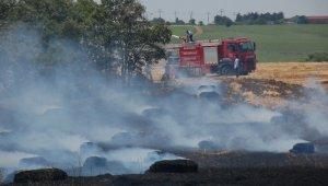 Balya makinesinden çıkan yangın araziyi küle çevirdi