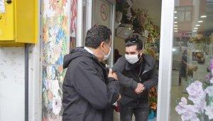 Başkan Demir, normalleşme sürecinde esnafı ziyaret etti