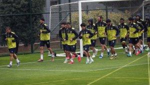 Fenerbahçe hazırlıklarını sürdürdü