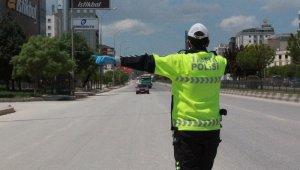 Gaziantep'te 386 sürücüye trafik cezası kesildi