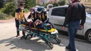 İki otomobilin çarpıştı 3 kişi yaralandı